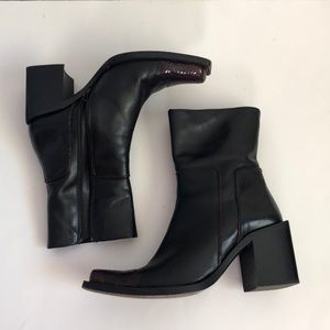 JOAN AND DAVID TOO BOOTS BLACK AND RED LEATHER SZ6